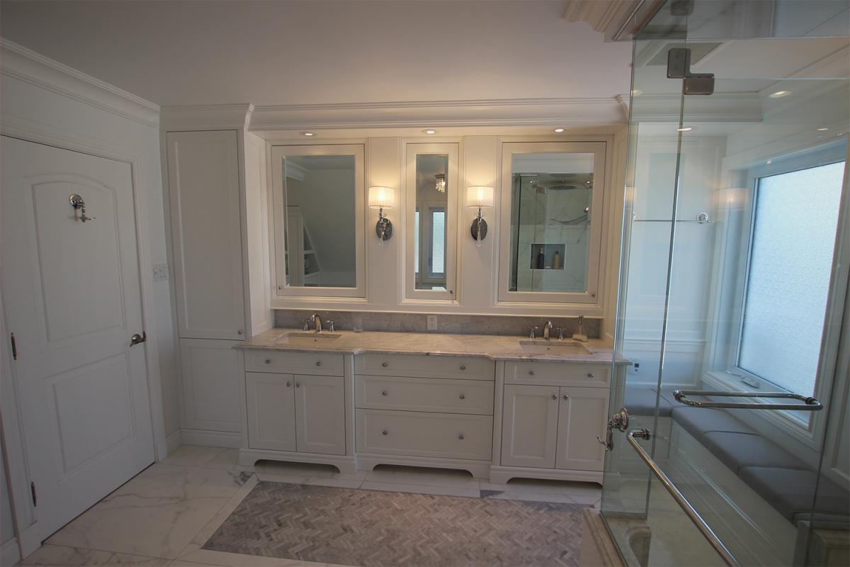 Salle de bain chic classique - Lacque blanche | Cogen ...